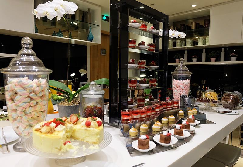 10.00am: EAT WELL - Breakfast at Westin Executive Club