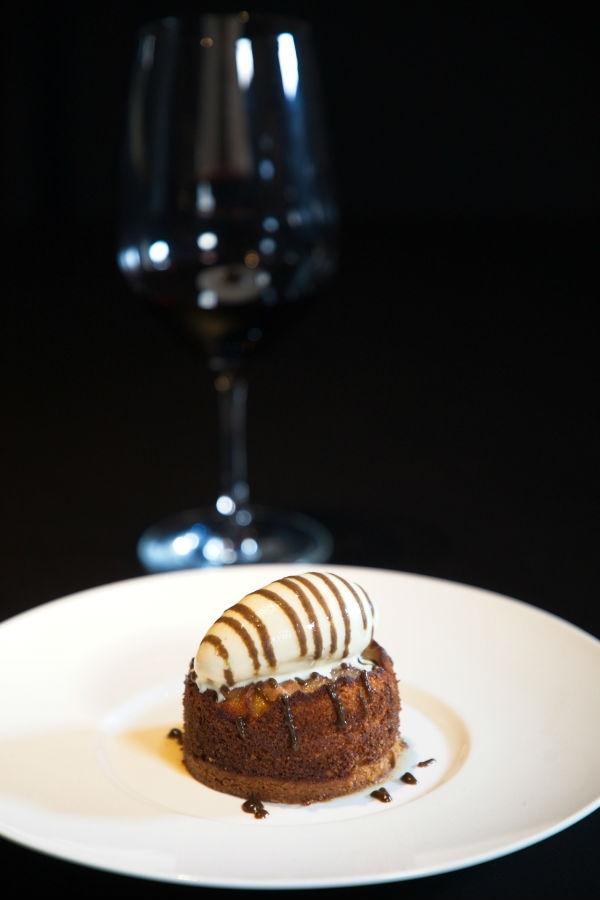 Fine pear tart & Tahitian vanilla sorbet
