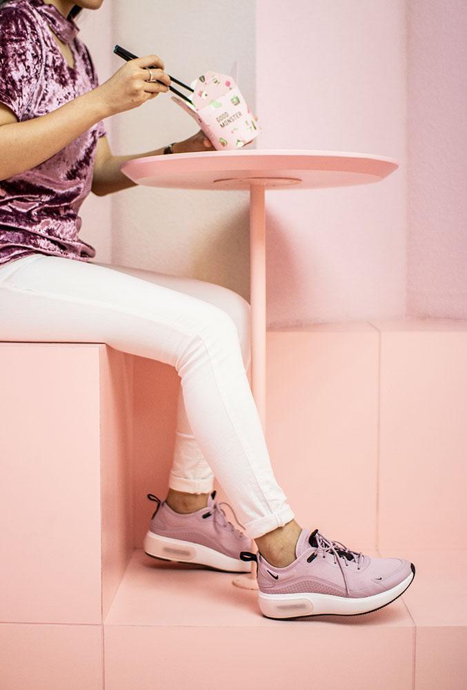 Air Max Dia SE Women Sneakers