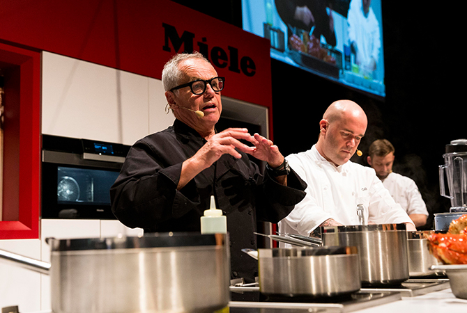 Chef Wolfgang Puck at his masterclass for making the perfect risotto