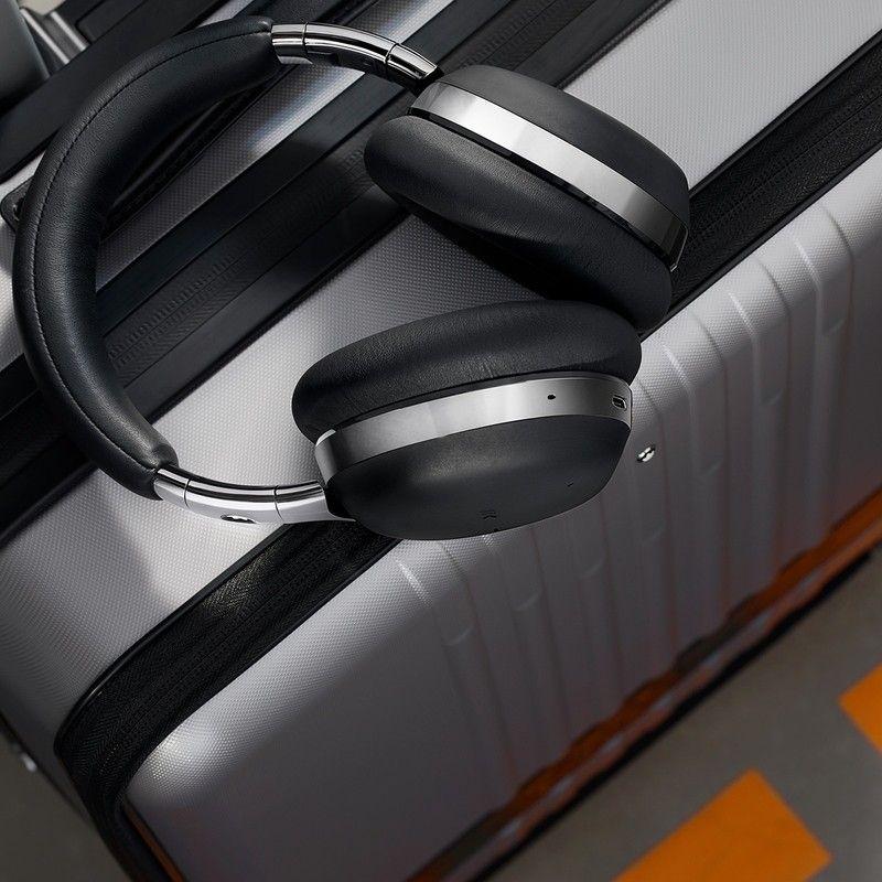 Montblanc MB01 Smart Headphones